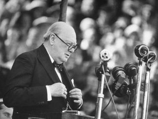 Winston-Churchill-Giving-a-Speech